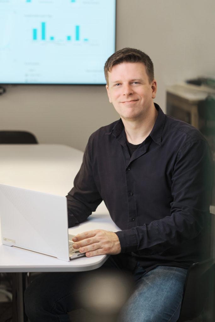 Dennis Struck ist verantwortlich für die technische Weiterentwicklung unserer Innovationssoftware IdeaChamp.