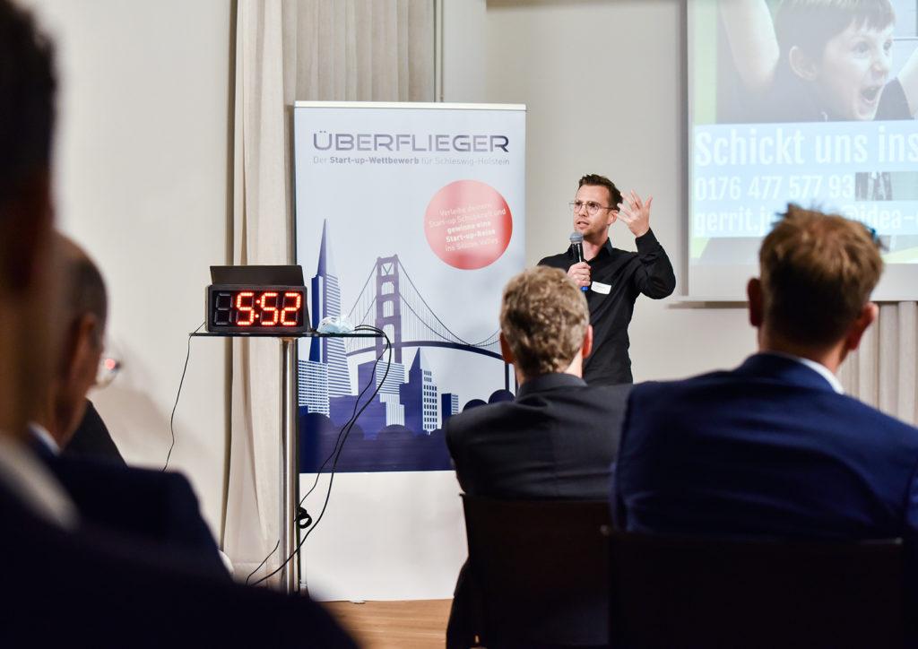 Gerrit pitchte die Vision unseres Unternehmens beim Überflieger Wettbewerb 2021.